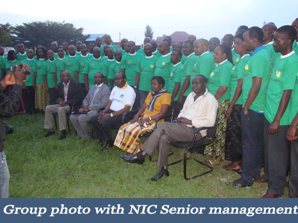 Group-photo-with-NIC-Senior-management.jpg