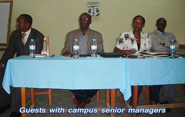 Guests-flanked-by-campus-senior-managers.jpg