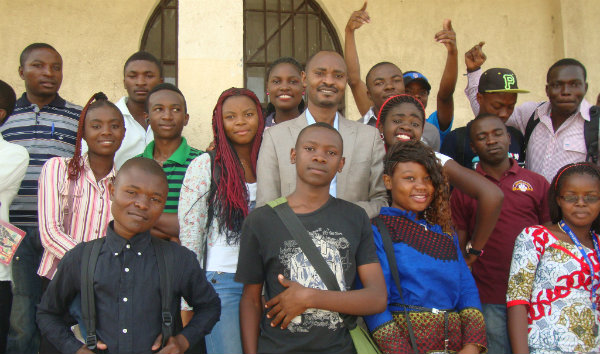 Mentor Sylvain Nizeyimana with trainees