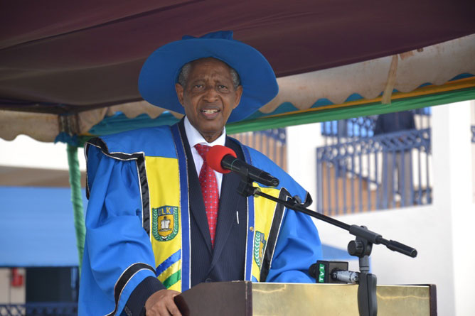 Founder and president of ULK tipping graduands