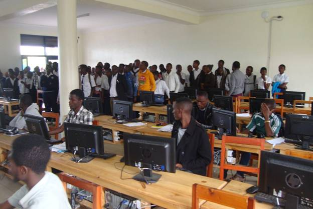 Secondary School students visit ULK Gisenyi (2)