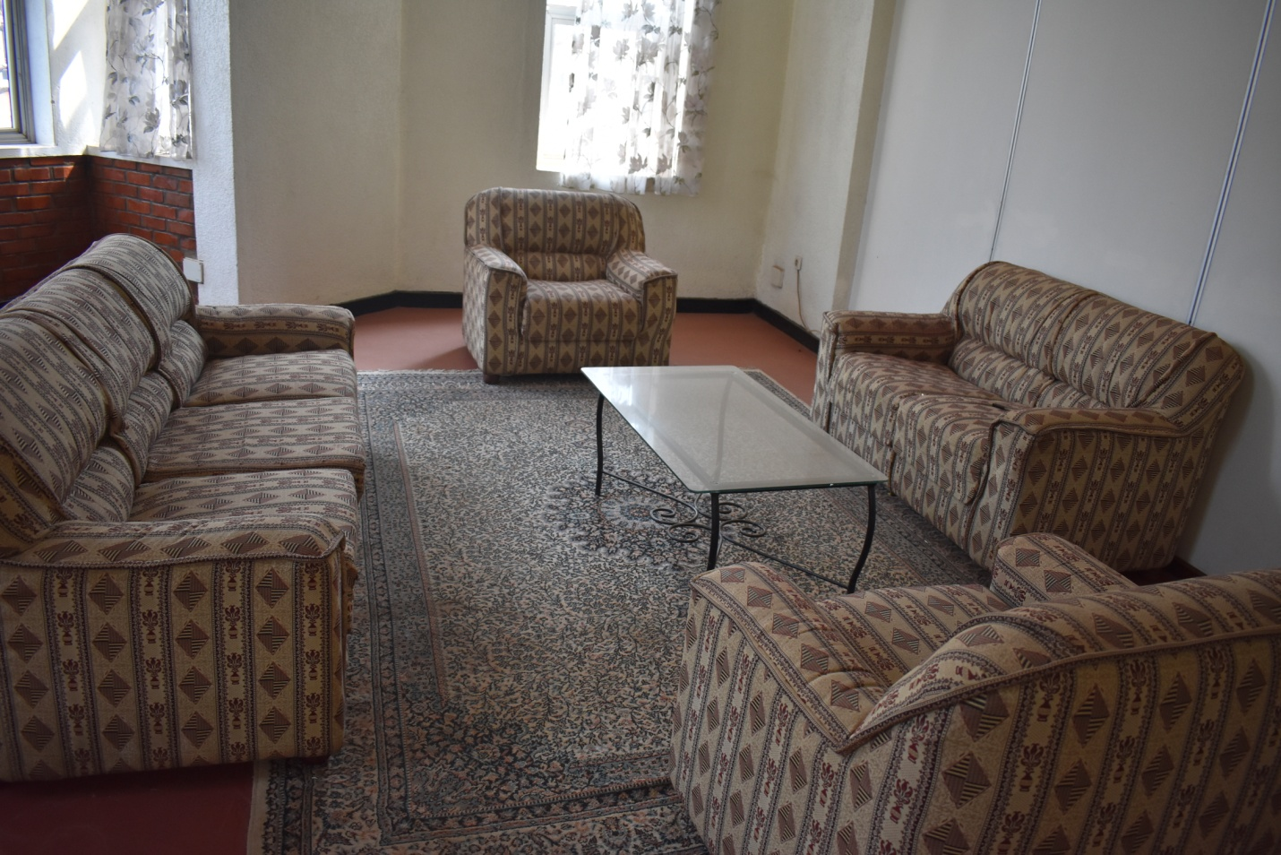 Evacuation room equipped with sofa